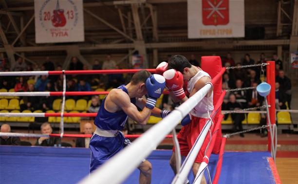 Три тульских боксера продолжают борьбу за звание чемпиона страны