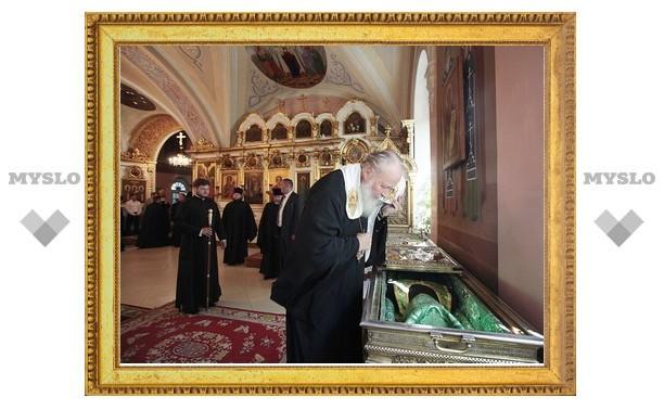 Святейший Патриарх Кирилл посетил соборы и Екатерининский монастырь города Твери