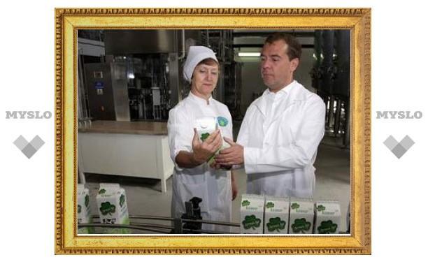 Медведев отправил губернаторов на рынки ловить спекулянтов