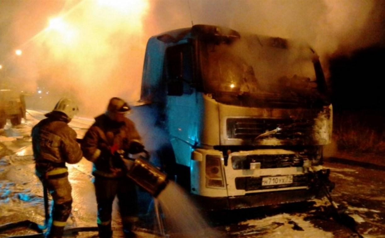 На улице Овражной ночью сгорел грузовик «Вольво»