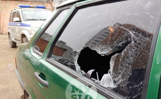 В Туле на улице Вильямса орудуют автомобильные вандалы