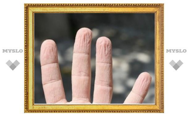 Ученые объяснили значение сморщивания кожи при намокании