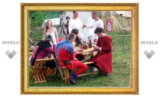 Тульская деревня на два дня превратилась в средневековое поселение