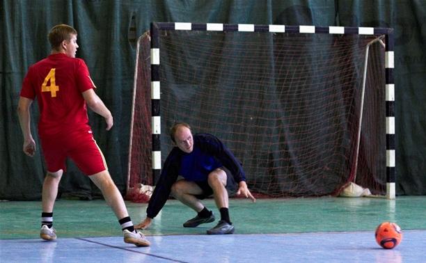 В Лиге любителей футбола лидер турнира сменил название