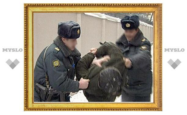 Туляк ударил полицейского на 15000 рублей