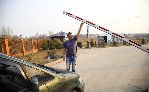 Частники оставили дачный поселок в Тульской области без коммунальных сетей и дороги