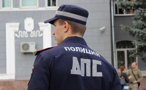 В Тульской области женщина расцарапала лица сотрудникам ГИБДД, защищая своего мужа