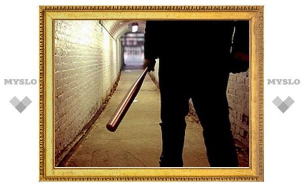 Отморозок забил битой психбольного и ограбил престарелую соседку