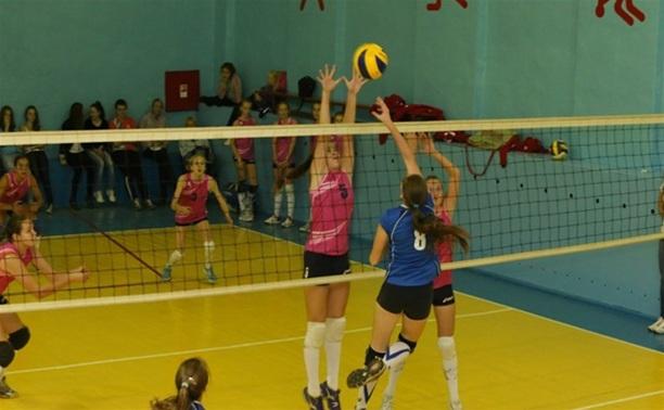 Юные тульские волейболистки завоевали серебро на турнире в Липецке