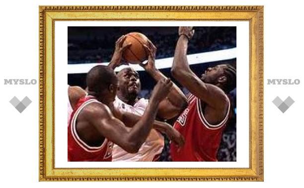 Чемпион НБА проиграл третий раз подряд в первом раунде плей-офф
