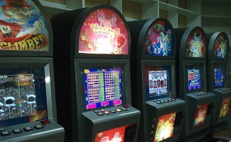 Чем заменят игровые автоматы картинка собаки играют в карты