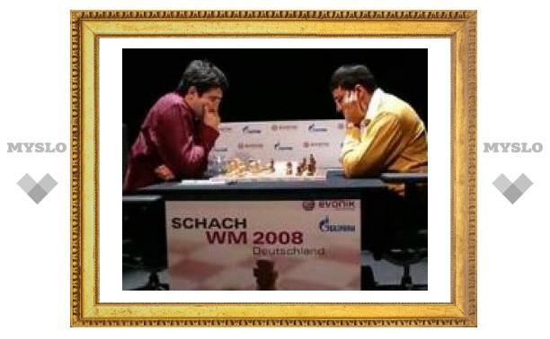 Крамник обыграл Ананда в десятой партии матча на первенство мира