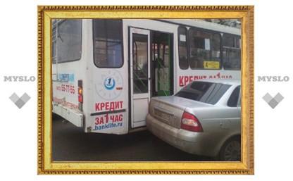 В Туле Лада Приора не разъехалась с троллейбусом