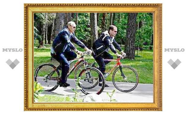 Медведев исключил соперничество с Путиным на выборах