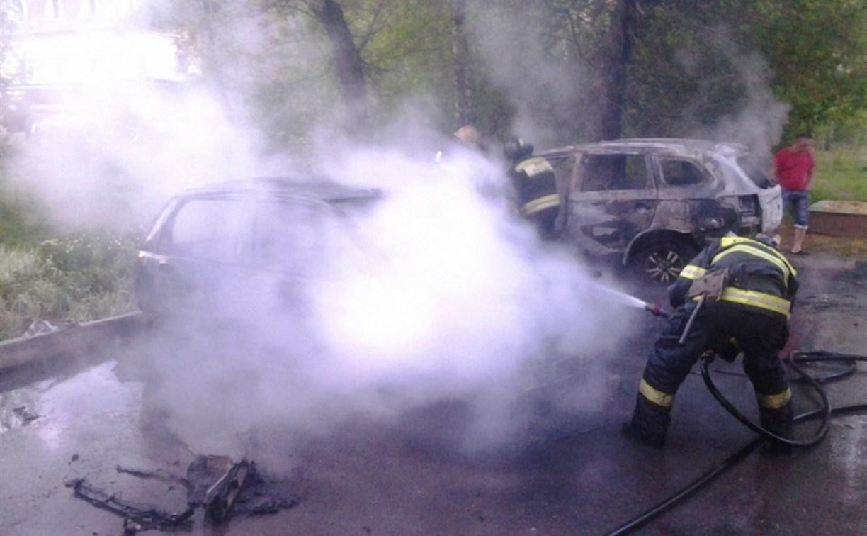 За ночь в Новомосковске сгорели три автомобиля