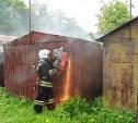 Утром 28 мая в Туле загорелся гаражный блок