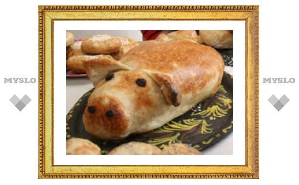 Жительница Плавска печет хлеб из ваты