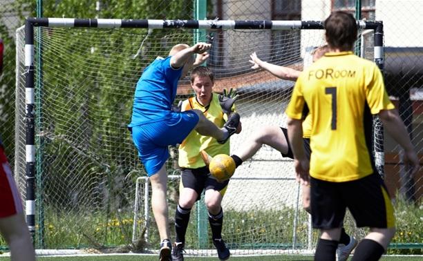 В Лиге любителей футбола началась борьба за Кубок