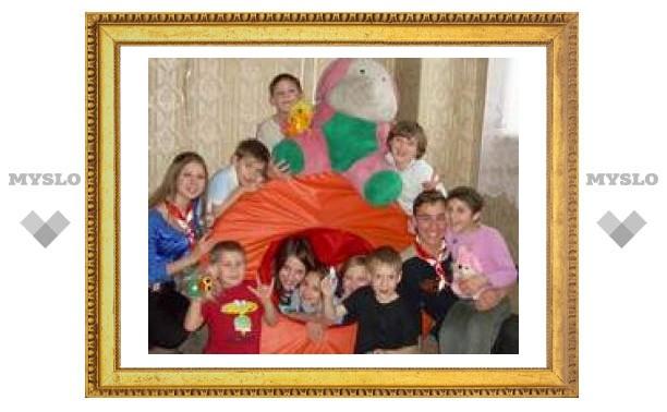 Детям из Тульской школы-интерната подарили праздник