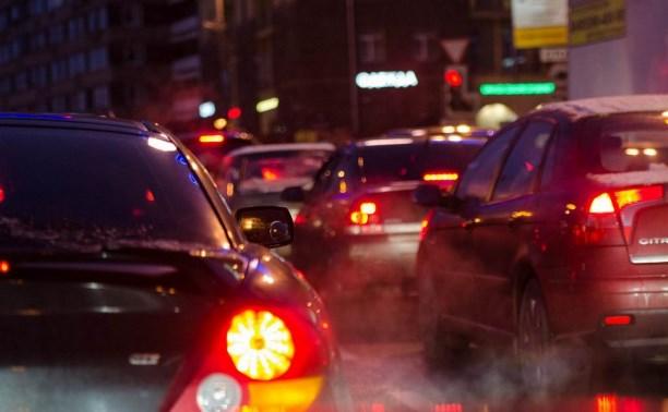 На улице Рязанской из-за трёх ДТП образовалась огромная пробка