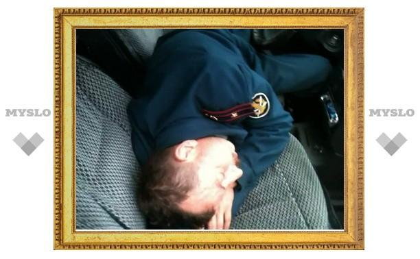 В Туле пьяный майор в форме уснул в машине после ДТП