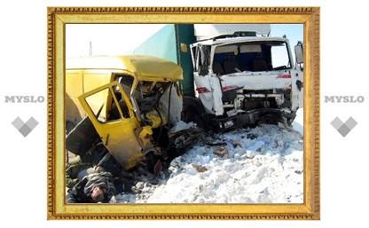 Авария под Тулой унесла четыре жизни