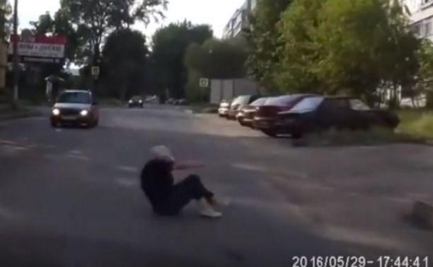В Туле пенсионерка бросилась под колёса автомобиля