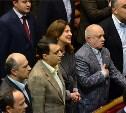 Региональных депутатов хотят обязать петь государственный гимн на каждом заседании