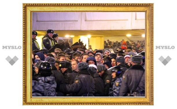 """В преддверии матча """"Арсенал""""-""""Подолье"""" полиция ищет пьяных фанатов"""