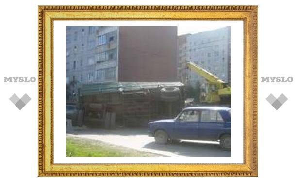 "В Туле перевернулся ""КАМАЗ"""