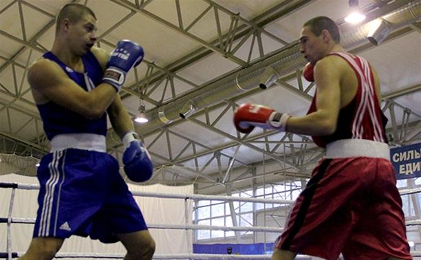 Тульский боксер вышел в финал чемпионата округа
