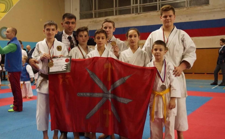 Щёкинские каратисты вернулись со Всероссийского турнира с медалями
