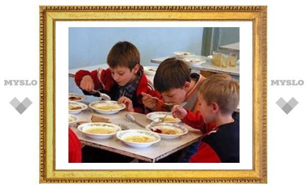 Школьников Тулы будут кормить лучше