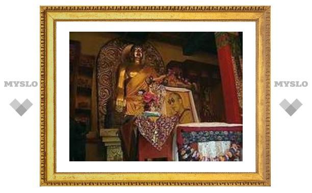 В буддийских храмах России совершают 15-дневное богослужение
