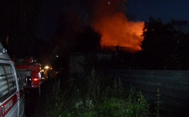 Ночной пожар в Туле тушили полчаса