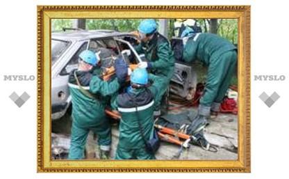 """Тульские спасатели отличились на """"автокатастрофе"""""""
