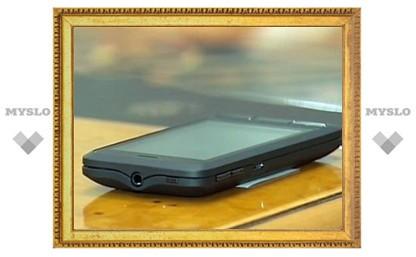 """Выход """"российского аналога"""" iPhone 4 перенесли на месяц"""