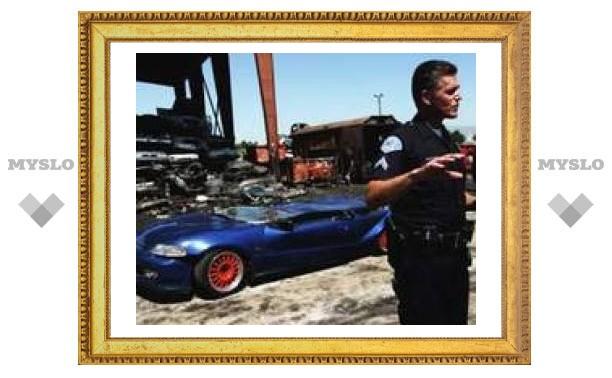 В Америке уничтожают машины стритрейсеров