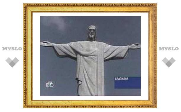 В Бразилии с размахом отметили вхождение статуи Христа в список семи новых чудес света