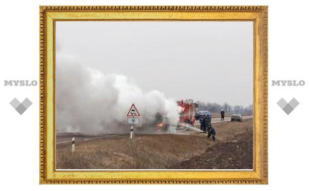 На трассе «Дон» сгорел пассажирский автобус