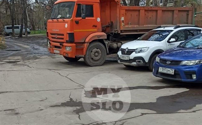 «Накажи автохама»: получится ли припарковать КамАЗ во дворе дома?