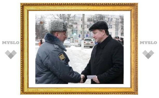 Тульские милиционеры получили подарки к Новому году