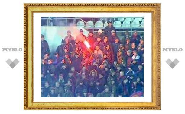 Футбольные фанаты подожгли женщину на стадионе в Краснодаре