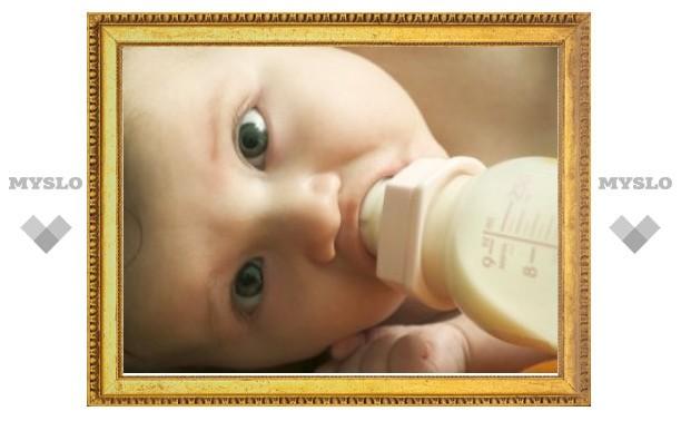 Минздрав осудил рекламу заменителей грудного молока