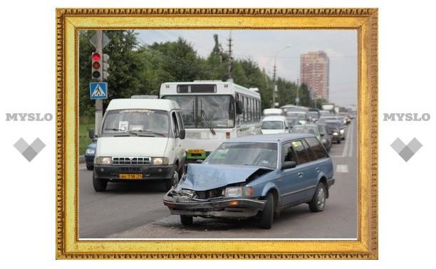 В Туле столкнулись УАЗ и Mazda