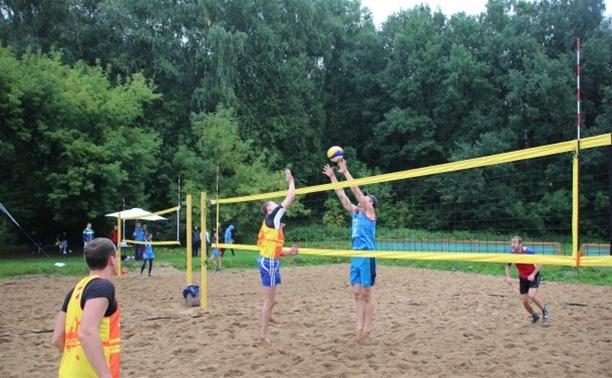 В Туле стартовали соревнования по пляжному волейболу