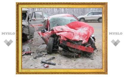 Под Тулой «скорая» столкнулась с иномаркой: 1 погибший, 6 пострадавших