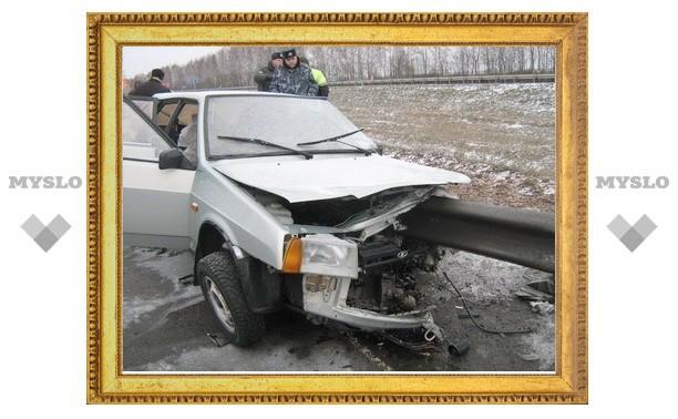 Под Тулой водитель «девятки» попал в ДТП, вышел из машины и был сбит насмерть