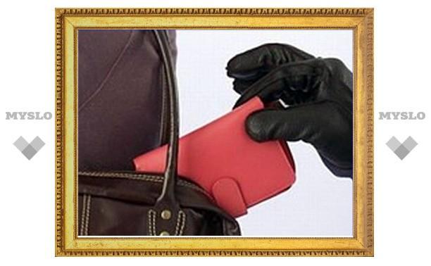 Под Тулой выследили и задержали карманницу