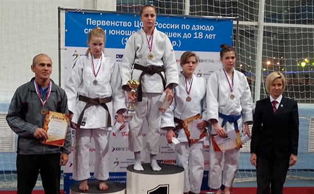 Тульские дзюдоистки собрали комплект медалей на первенстве округа